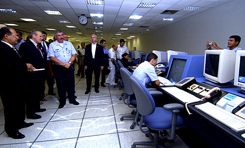 Donald Rumsefld visits the SIVAM control centre, 23 March 2005 (Wikimeda Commons)