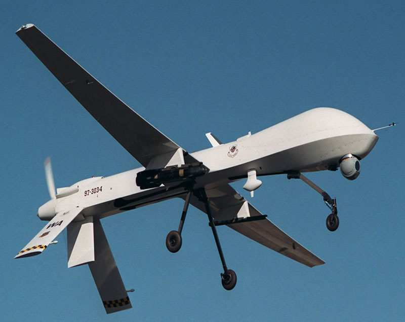 http://ubisurv.files.wordpress.com/2009/10/air_uav_mq-1_predator_lg.jpg